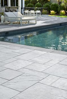 When it comes to patio slabs, some say: go bold or go home. Aberdeen Slabs are massive and luxurious, and could be just what you need. See for yourself! Swimming Pools Backyard, Swimming Pool Designs, Pool Decks, Garden Pool, Deck Design, Landscape Design, Concrete Patio Designs, Deck Colors, Patio Slabs