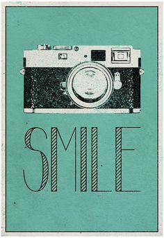 Smile Retro Camera Pôster