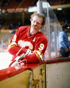 Hockey players have long unleashed the power of the upper lip blanket. Take a look at our collection of the greatest hockey moustaches to grace the ice! Hockey Games, Hockey Players, Ice Hockey, Lanny Mcdonald, Hockey Pictures, Good Old Times, Win Or Lose, Sports Figures, Sports Stars