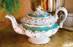 pretty tea pot
