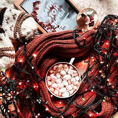 Wonderful Christmas Aesthetic All This Year - Winter & Fall cookies food Christmas Time Is Here, Christmas Mood, Noel Christmas, Merry Little Christmas, Christmas Lights, Holiday Mood, Christmas Ideas, Christmas Collage, Christmas Fireplace
