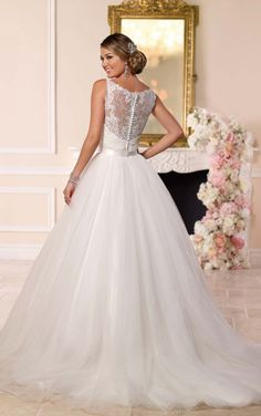 Stella York style 6223 back view (with over skirt)