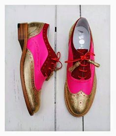 ABO for Ana Ljubinkovic gold, pink and red brogues by Iva Ljubinkovic Oxfords, Oxford Brogues, Loafers, Oxford Flats, Funky Shoes, Crazy Shoes, Me Too Shoes, Oxford Shoes Outfit, Casual Shoes