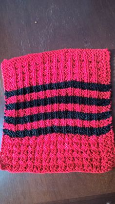 Dishcloth waffle. Blend bamboo red and black