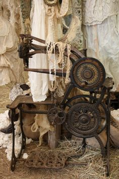 Amazing old treadle sewing machine...in a Galvin's Design Bloggatorium for Peacock Park: Just Junkin in Texas.........   ................................♥...Nims...♥