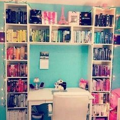 Teenagers room. Awesome idea! LOOK AT ALLLL THE BOOOOOOOOOKS☯☽♡focus on me♡ >>pinterest<< ⓜⓐⓓⓘⓢⓞⓝ♡