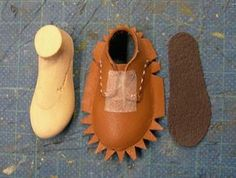 You cant beat this fashion Doll Shoe Patterns, Doll Closet, Felt Shoes, Doll Tutorial, Baby Boots, How To Make Shoes, Ball Jointed Dolls, Custom Shoes, Doll Accessories