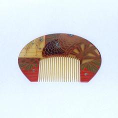 Ancient Japanese comb - kushi neri Dress Hairstyles, Formal Hairstyles, Afro Pick, Japanese Costume, Bun Styles, Hair Combs, Japanese Design, Hair Ornaments, Yukata