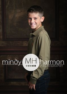 Give us a call at the studio to book now at 281-296-2067 or book online at mindyharmon.com! #mindyharmon #thewoodlands #mhp #child #children #family #familyportraits