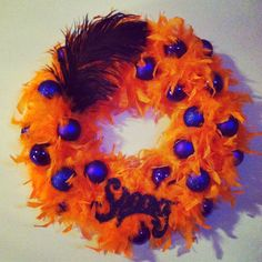 DIY Halloween Wreath! Really easy and super adorable :)