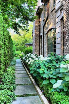 Side yard garden landscaping design.