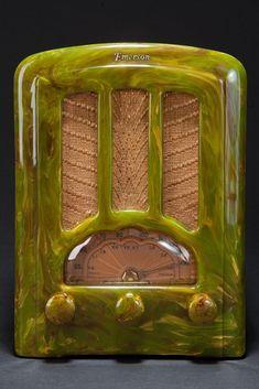 Catalin Emerson AU-190 Radio Marbleized Green Art Deco Tombstone