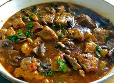 Gulasz kozacki - Blog z apetytem Polish Recipes, Curry, Food And Drink, Beef, Dinner, Cooking, Health, Ethnic Recipes, Easy
