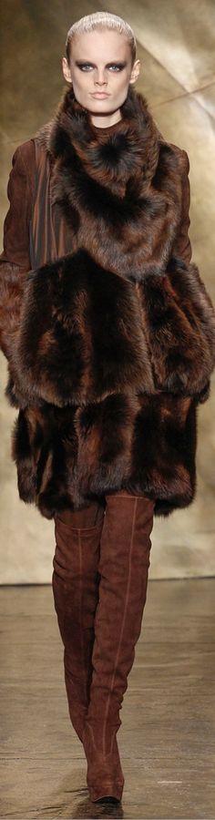 Donna Karan Fall 2013 RTW - Fashion Week - Runway, Fashion Shows and Collections - Vogue Fur Fashion, Brown Fashion, High Fashion, Winter Fashion, Fashion Show, Womens Fashion, Fashion Design, Runway Fashion, Donna Karan