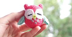 Mijn naam is Astrid en ik heb een kleine verslaving aan haken. Alles wat ik maak, teken, DIY of haak laat ik hier zien! Crochet Owls, Diy And Crafts, Projects To Try, Christmas Ornaments, Knitting, Toys, Holiday Decor, Cute, Amigurumi
