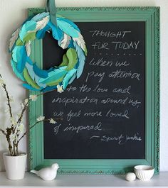 Making a Wreath from Paper Feathers... stunning! (free printable template at liagriffith.com)