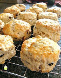 Traditional English Scones Recipe, Best English Scone Recipe, Scones Recipe Uk, Best Scone Recipe, Perfect Scones Recipe, Tea Recipes, Baking Recipes, Cake Recipes, Crack Crackers