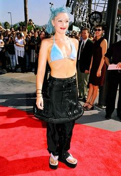Nineties Gwen (our fave tpe of gwen) nails fluffy bra, dyed hair and bindis at the 1998 MTV Video Music Awards http://asos.to/VHTBLN
