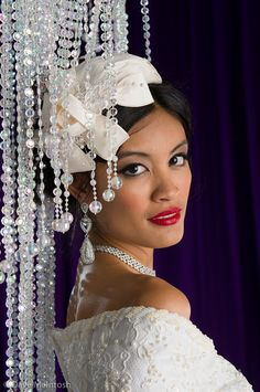 this vintage head piece is a awesome idea for the fashionable bride