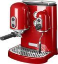 Poloprofesionální espresso kávovar spojuje perfektní výkon, kvalitu a nadčasový design značky Kitchen Aid. Díky tlaku 15 barů a příkonu 1300 W vmžiku vykouzlí pravé italské espresso, krémové cappuccino s lahodnou pěnou, našlehá mléko nebo připraví čerstvý čaj!
