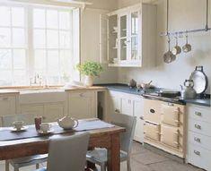 plain english design - the long house kitchen Aga Kitchen, Unfitted Kitchen, Kitchen Post, Country Kitchen, Kitchen Dining, Kitchen Cabinets, White Cabinets, Nice Kitchen, Kitchen Ideas