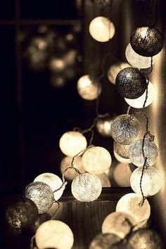 淡い光が素敵♡ピンポン玉で作るおしゃれライト【海外DIY】 - NAVER まとめ