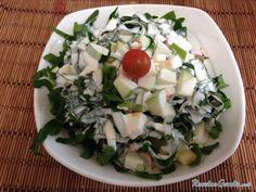Aprende a preparar ensalada de espinacas con manzanas  con esta rica y fácil receta.  Para esta ensalada verde lo primero que debes hacer es alistar todos los...