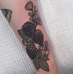Berry tattoo by hannahflowers_tattoos at IG