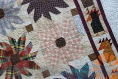 Piece N Quilt: Chicks & Flowers - Edge to Edge Machine Quilting by Natalia Bonner.  The flowers!