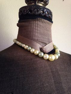 Vintage Spring Green Pearlescent Necklace by ArtDecoDame on Etsy, $9.00