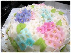和ケーキ(紫陽花)  Japanese cake (Hydrangea)