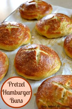 Pretzel Hamburger Buns: Replace your regular burger buns with these chewy, soft, warm pretzel rolls, - My Yummy Foods Bread And Pastries, Homemade Buns, Homemade Hamburger Buns, Hamburger Recipes, Pretzel Rolls, Pretzel Dough, Pretzel Bread, Gastronomia, Chocolate Desserts