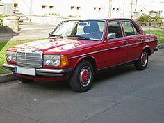 Mercedes-Benz 200  W123 berlina Produzionedal 1976 al 1985