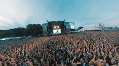 """@aclfestival on Instagram: """"Were you in that EPIC @lizzobeeating crowd today?  #ACLFest 🎥 by @transition_ninja"""""""