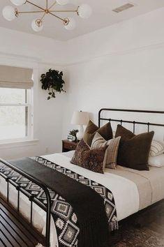 Stylish Bedroom, Modern Bedroom, Master Bedroom, Modern Bedding, Rustic Chic Bedding, Master Suite, Monochrome Bedroom, Master Master, Bedroom Classic