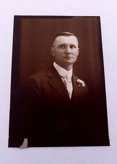 Vintage 1920s Art Deco Photo Photograph Man in Suit Boutineer Slick Hair 22510