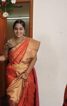 Beautiful Girl Indian, Beautiful Ladies, Kanjivaram Sarees Silk, Saree Poses, Tamil Girls, Glamour Beauty, Wedding Girl, Saree Photoshoot, Indian Girls Images