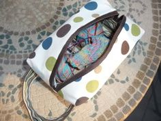 Tutorial -- lined box bag, great for cosmetics or as project bags for knitting or crafts