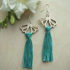AURORA earrings are ostentatious, but extremely light statement earrings. A pair of earrings only weighs about 5 grams. Statement Earrings, Tassel Necklace, Drop Earrings, Plywood, Sustainable Fashion, Birch, Aurora, Jewelry Collection, Emerald