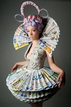℘ Paper Dress Prettiness ℘ Victorian Newspaper Princess Dress and Neck Collar Paper Fashion, Fashion Art, Fashion Show, Dress Fashion, Trendy Fashion, Recycled Dress, Recycled Art, Recycled Clothing, Recycled Costumes