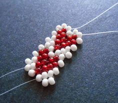 Free beading jewelry making tutorial: Valentine Heart Potawatomi Chain Stitch