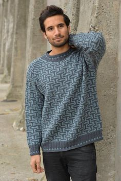 Knitting Patterns Men Marianne Isager from the book Dæxel, Knitting for men Knitwear Fashion, Sweater Fashion, Men Sweater, Pullover Design, Sweater Design, Knitting Machine Patterns, Knitting Patterns, Pullover Mode, Knit Edge