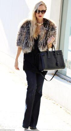 Rachel Zoe makes a glam entrance at The Gap #dailymail