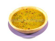 Receta de sopa de quinoa con cebolla, zanahoria, acelgas y espinacas.