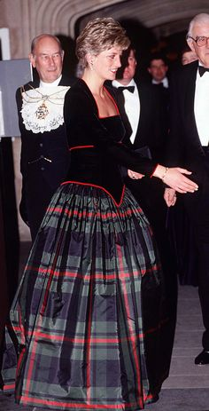 A New Exhibit Features Pieces From Queen Elizabeth and Princess Diana's Closet - At a charity event in 1991