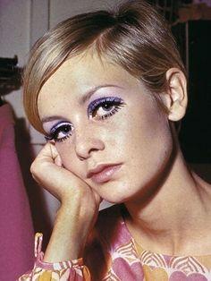 1960s Makeup, Twiggy Makeup, Retro Makeup, Cute Makeup, Beauty Makeup, Hair Makeup, Makeup Eyes, Gorgeous Makeup, Disco Makeup