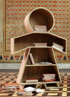 Adorable bookshelf for kids. Henrique Steyer