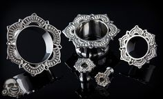 Silver lotus eyelets by Tawapa - this style has grown on me.