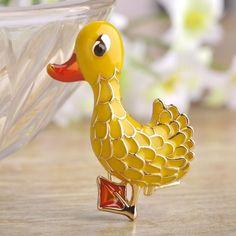 Blucome Enamel Esmalte Cute Duck Brooches For Women Kids Smalto Gold Plated Broches Animal Scarf Pin Hat Dress Gorro Clips Joyas