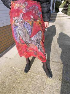 Hand bemalte roter Seide und Baumwolle Rock Motiv von aminamarei